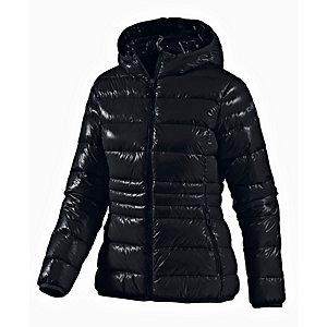 Die edle Daunenjacke ist ein neuer Trend der Saison und perfekt für kühle Wintertage. Diese wasserabweisende Jacke verfügt über einen abnehmbaren Kragen aus Kunstpelz und einen Trichterausschnitt. Sie ist gefüllt mit leichten synthetischen Daunen. Ein .
