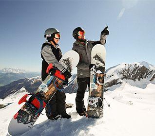 Zu den Snowboards